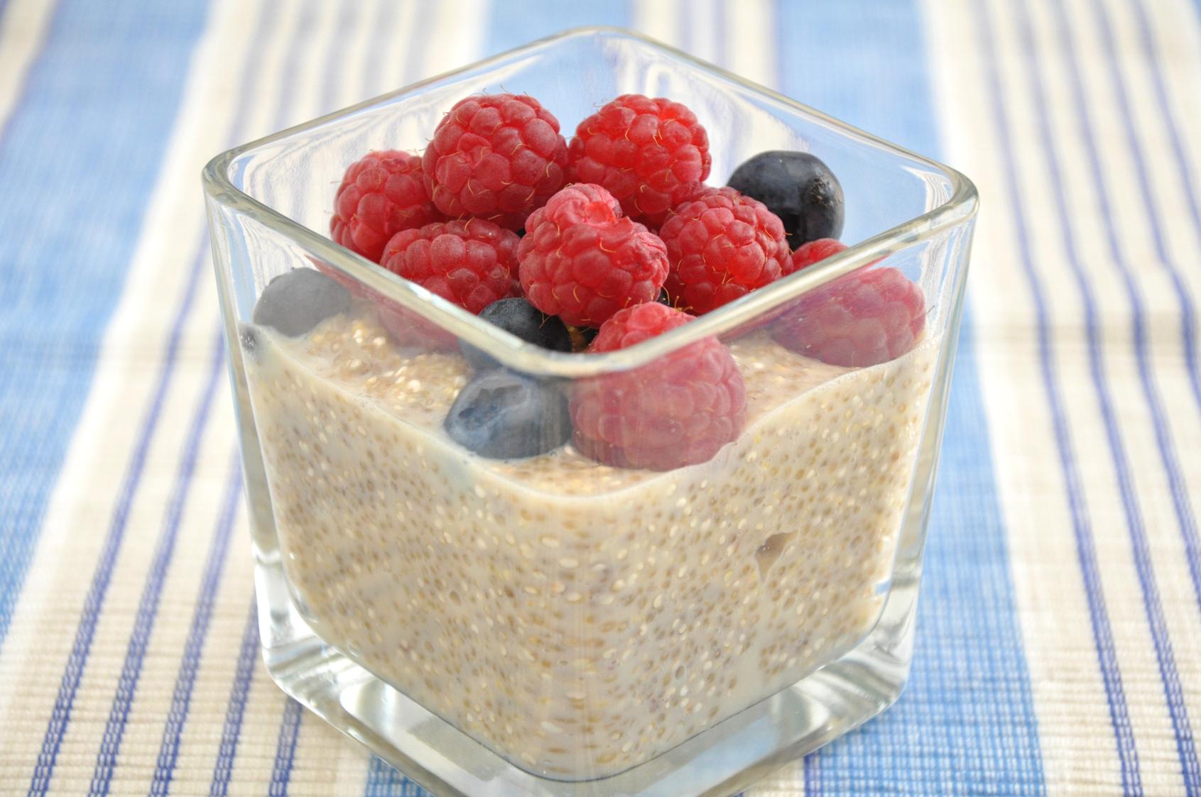 Strawberry Quinoa Flakes Porridge