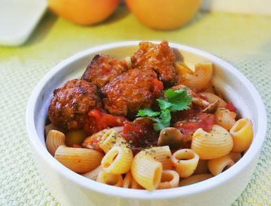 Quinoa Macaroni with Meat Balls in Tomato Sauces